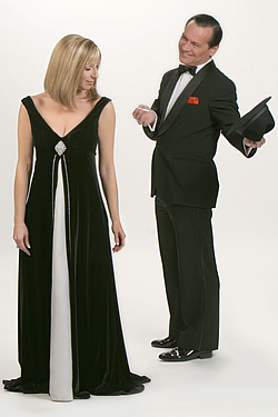 See Barbra and Frank in London. Barbra Streisand and Frank Sinatra join forces on the stage. Buy tickets to Barbra and Frank here!
