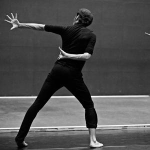 Danserne Khan og Galvan har slået sig sammen og kombinerer kathak og flamingo i en danseopvisning og skaber noget helt unik og uden for genre.