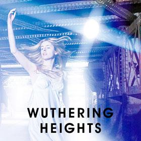 Opplev den klassiske historien Wuthering Heights, Emily Brontës fortelling om kjærlighet, tap og hevn. Forhåndsbestillbilletter på nettet!