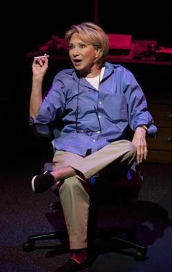 Skuespillet The Last Cigarette i London er skrevet af nu afdøde dramatiker Simon Gray. Billetter til  The Last Cigarette i London købes her!