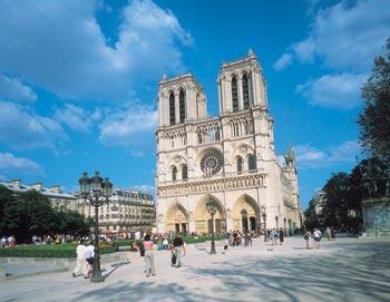 Biljetter till Sightseeing Paris med Paris Vision! Upplev det historiska Paris från en modern buss med A/C på mindre än 2 timmar. Köp dina biljetter här!