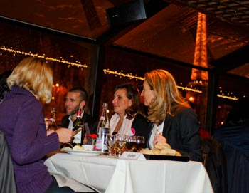 Cena in crociera, Torre Eiffel e Moulin Rouge