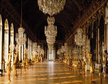 Versailles: Guided morning tour with garden visit - 4 hours