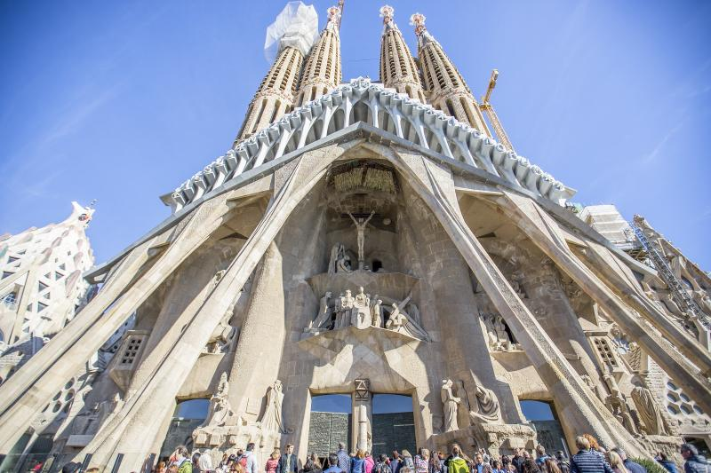 Gaudi Sightseeing & Sagrada Familia