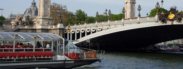 Zarezerwuj bilety na Rejs po Paryżu i zobacz miasto z pokładu statku. Tutaj zarezerwujesz bilety na godzinny rejs po Paryżu!