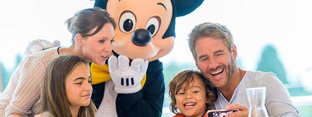 Spring køen over til både Disneyland Paris & Walt Disney Studios Park! Prøv alle de fantastiske forlystelser, se de imponerende parader og mere. Køb online!