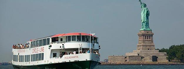 Bestill billetter til Frihetsgudinnen cruise i New York. Manhattans fantastiske himmel i New York. Kjøp billetter her!