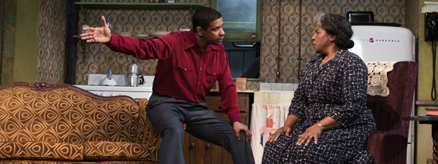 A Raisin In The Sun i New York med Denzel Washington i hovedrollen udspiller sig i Chicagos barske South Side. Bestil dine billetter til A Raisin In The Sun her.