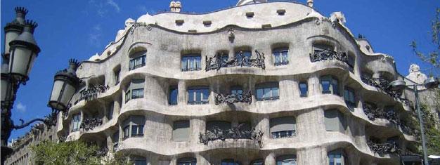 Gaudí La Tour Familia Y Sagrada b7yYf6g