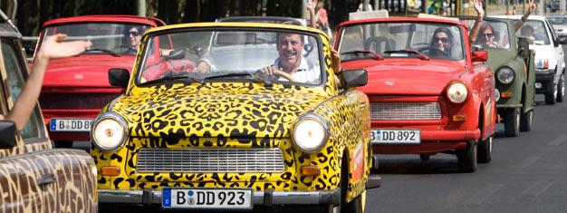 Zwiedź Berlin zza kierownicy trabanta podczas jednejz tras Trabi Safari. Świetna zabawa gwarantowana. Jedź, baw się i zobacz Berlin - zarezerwuj bilet na berlińskie Trabi Safari!