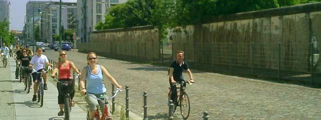 Vores Berlinmuren og Kold Krigs Cykeltur tager dig med til det historiske Berlins mere mørke sider. Billetter til Berlinmur- og den Kolde Krig Cykel Tur her!
