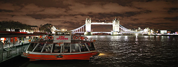 Enjoy a romantic evening cruise on a legendary London Showboat. Incl. four-course dinner with wine. Dine and dance the night away! Book your cruise!