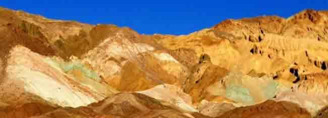 Matkusta Death Valley kansallispuistoon. Kierroksella näet paikat kuten Zabriske Point, upean Artist's Palletin sekä Bad Waterin valuma-alueen. Varaa kierroksesi tänään!