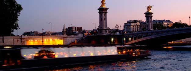 Secure tickets in advance to a romantic dinner cruise in Paris and enjoy delicious, fresh, French food while seeing all the major sights along the Seine.