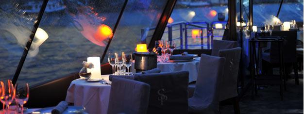 Prøv et middagscruise på Seinen i Paris! Dette VIP-middagscruise er en af vores mest solgte ture med sin gode mad og stemning! Book online!