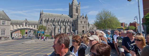 Erkunden Sie Dublin im eigenen Tempo mit den Hop-On-Hop-Off-Bussen! Wählen Sie zwischen 24- oder 48-Stunden-City-Sightseeing-Tickets! Tickets online buchen!