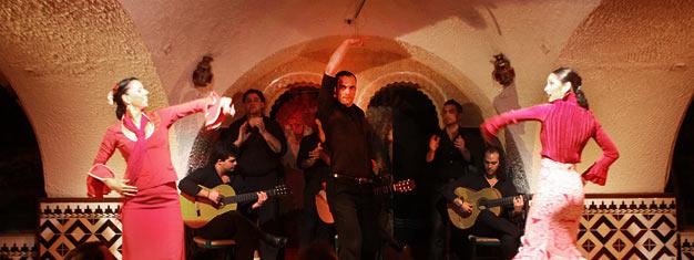 Disfruta el popular espectáculo de flamenco en el Tablao de Carmen en Barcelona! Una noche llena de música, baile y canto! Reserva entradas en línea!