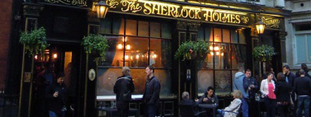 Visit three of London's oldest pubs on this fun walking tour! Your tour includes a beer tasting with three British beers at The Old Thameside Inn. Book now!