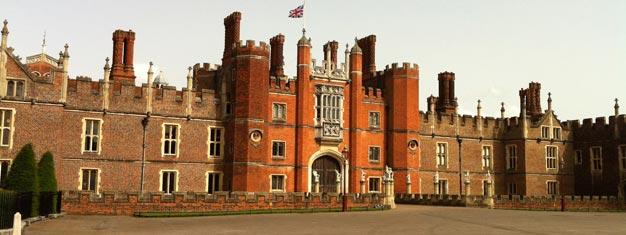 Biljetter till Hampton Court Palace utanför London! Besök Henry VIII vackra palats fylld av historia och skatter! Entrébiljetter till Hampton Court Palace här!