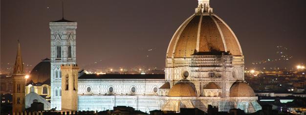 Besøg Firenze! Besøg de mest kendte seværdigheder, såsom Accademia-galleriet og den berømte katedral Duomo. Transport inkl. Bestil billetter online!