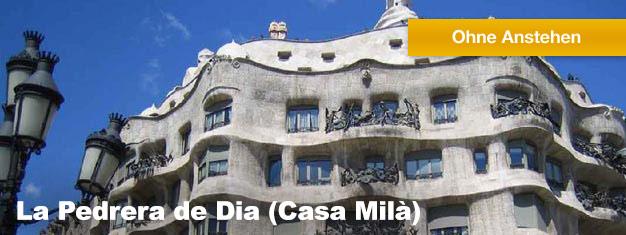 Buchen Sie Ihre Tickets online für dieses Wahrzeichen Barcelonas und gelangen Sie ohne Anstehen in die La Pedrera de Dia des gefeierten Architekten Antoni Gaudí.