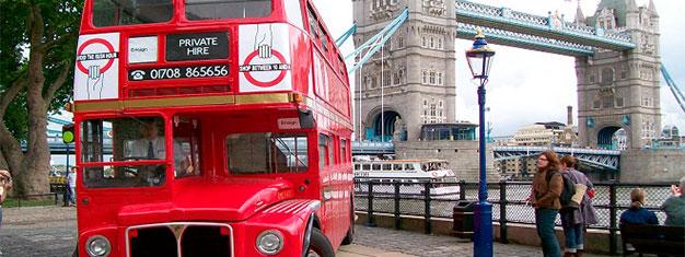Upplev London med stil! Utforska Towern och se kronjuvelerna, besök Westminster Abbey & njut av en klassisk afternoon tea i klostret. Boka dina biljetter här!