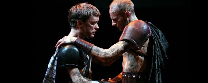 Shakespeare's Julius Caesar om politisk magt og manipulation spilles på Stratford Upon Avon. Køb billetter til Shakespeare's Julius Caesar her!