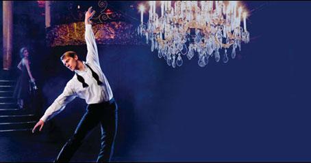 Adam Cooper's Shall We Dance ? i London er en flot danseforestilling om en mands søgen efter kærlighed. Køb billetter til Adam Cooper's Shall We Dance ? på Sadlers Wells i London.