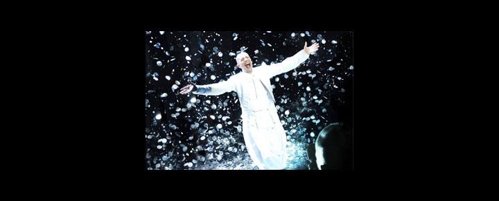 Arturo Brachetti i London bringer over 100 karakterer til live på scenen i dette unikke og spektakulære show. Billetter til Arturo Brachetti i London kan købes her!