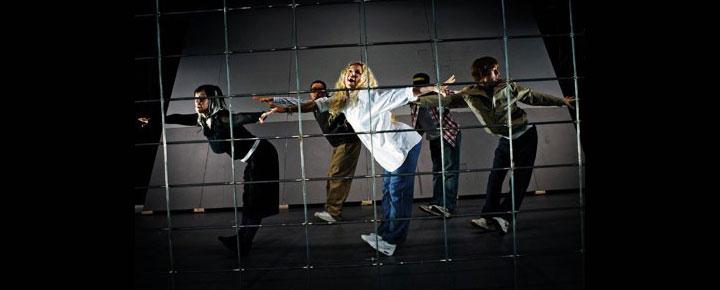 Bounce - Insane In The Brain i London er en eksplosiv hip hop danse version af Gøgereden(One Flew Over The Cuckoo's Nest). Billetter til Bounce - Insane In The Brain i London kan købes her!