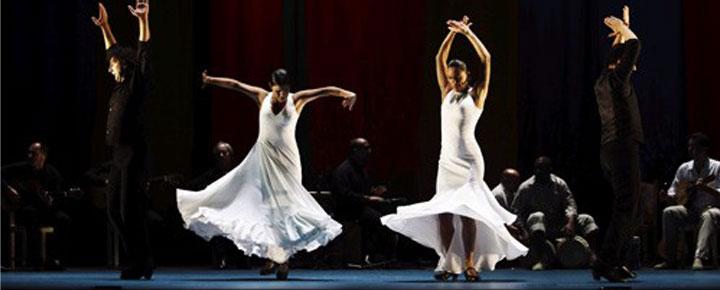 """""""Flamenco Sin Fronteras"""" no Sadler's Wells, em Londres, é uma actuação animada, rítmica e encantadora com Paco Pena e a sua companhia de dança. Compre aqui bilhetes!"""