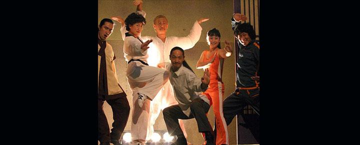 """JUMP på Peacock Theatrei London, är en fantastisk """"tae kwon do"""" show uppfört av en koreansk familj. Biljetter tillJUMP i London köper du här!"""