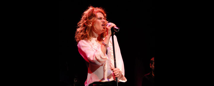 Komedie veteranen Sandra Bernhard er klar med hendes nye hit show 'Without You I'm Nothing'. Billetter til Sandra Bernhard's 'Without You I'm Nothing' i London købes her!