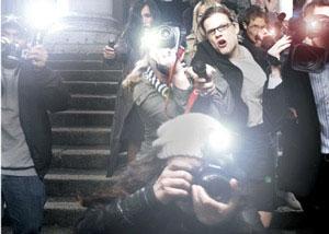 Complicit på Old Vic Theatre i London West End er instrueret af ingen andre end Kevin Spacey og med Richard Dreyfuss i hovedrollen. Billetter til Complicit i London købes her!