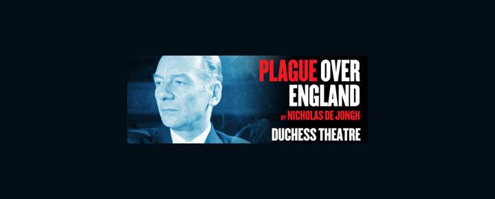 Plague Over England på Duchess Theatre i London er en dramatisering over den berømte skuespiller  Sir. John Gielgud's liv. Billetter til Plague Over England i London købes her!