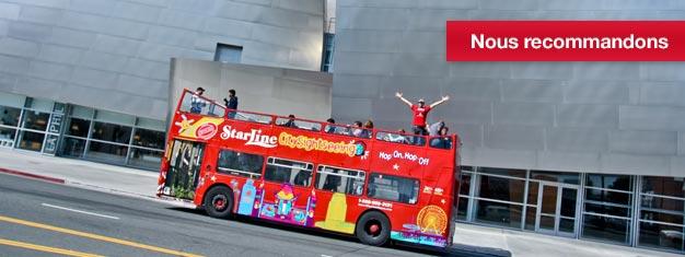 Montez à bord d'un bus Hop-On Hop-Off (à volonté) et profitez de la ville de Los Angeles dans son ensemble. Partez de Hollywood jusqu'à Beverly Hills ou bien des plages de Santa Monica jusqu'au Downtown de LA.