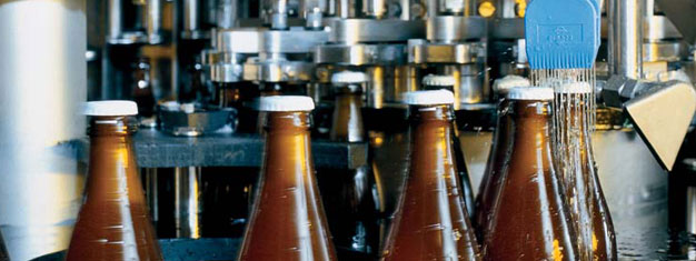 Besök ett ölbryggeri München! Boka biljetter till ett ölbryggeri och lär dig mer om de traditionella bryggerimetoderna och få smakprov på Münchens berömda öl!