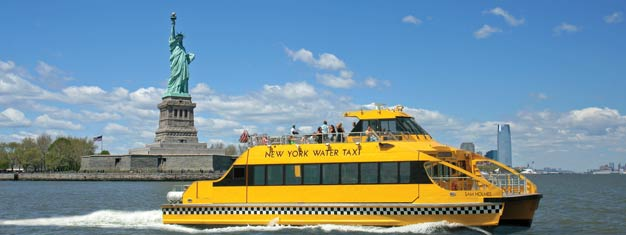 New York Water Taxi - nyt turen med en guide! Bestill billetter til New York Water Taxi, det eneste Hop-on Hop-off-havnecruiset i New York!