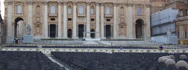 Disfruta la única visita acompañada a la Audiencia Papal! Plazas limitadas, así que asegura tus entradas de antemano!
