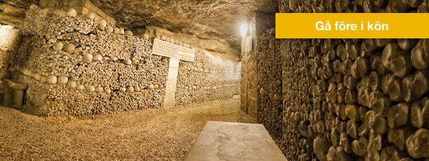 Gå före i köerna till Paris Katakomber och vandra i de tunnlarna gjorda av ben på denna guidade promenad. Boka biljetter till Katakomberna i Paris här!