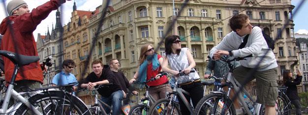 El City Tour de Praga en Bici es una genial forma de ver toda Praga de manera especial pero divertida. Compra aquí tus entradas para City Tour de Praga en Bici!