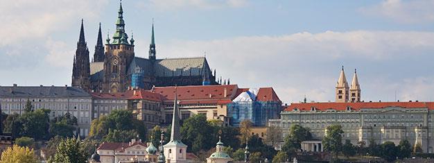 Vieraile Prahan suosituimmassa nähtävyydessä, kauniissa Prahan linnassa. Koe maailman suurin muinainen linna. Osta liput netistä ja ohita jonot.