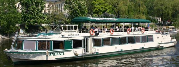 This 2-hour lunch Cruise in Prague is the best way to see beautiful Prague from the riverside. Buy your tickets here!