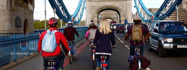 Nyt en sykkeltur gjennom hjertet av London og se Londons elveområde i solnedgangen. Inkl. en drink på en 400 år gammel pub. Bestill her!