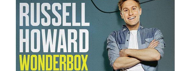 Russell Howard, en af Englands mest succesrige komikere, vender tilbage til Royal Albert Hall i London. Billetter til Russell Howard - Wonderbox i London her.