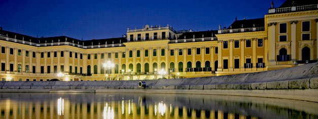 On our tour Sisi's Treasures in Vienna, you will feel like an Empress for a day! Book your tickets for Sisi's Treasures, incl. Schönbrunn Palace visit, here!