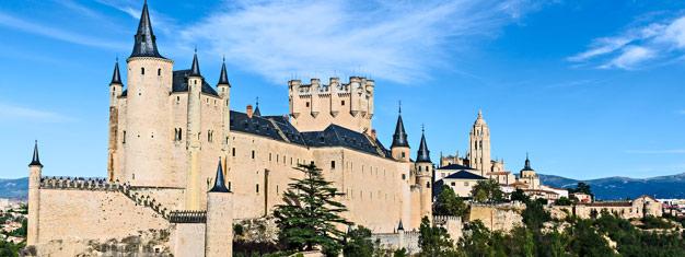 Kokopäiväretki kahteen keskiaikaiseen kylään, Pedrazaan ja Segoviaan. Vieraile kahdessa Espanjan uskomattomimmassa keskiaikaisessa kaupungissa. Varaa netistä!