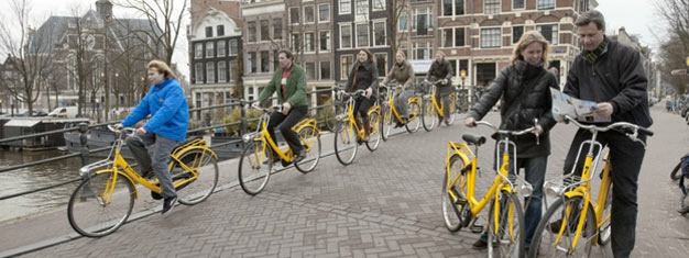 Take a scenic two hour bike ride through the streets of Amsterdam and experience the city like a local. Book your sightseeing tour by bike here!
