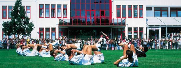 Die FC Bayern München Tour beinhaltet, zusätzlich zu vielen Schauplätzen in München, ein Besuch des modernsten Fußballstadion Europas, der Allianz Arena und Trainingsstadion des FC Bayern. Buchen Sie Ihre Tour hier!