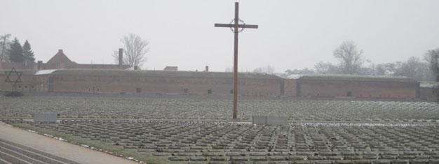 Besøk Terezin (Theresienstadt), den beryktede konsentrasjonsleiren fra andre verdenskrig, like utenfor Praha. Billetter til omvisning i Terezin finnes her!